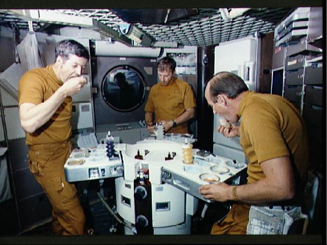 Astronautas comiendo. Chuchelandia, el blog de las chuches y golosinas